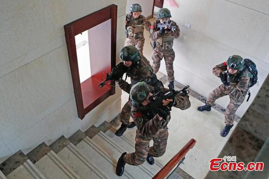 Armed police in hostage drill in Shanghai