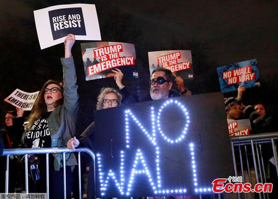 Hundreds protest outside White House over Trump's border wall emergency