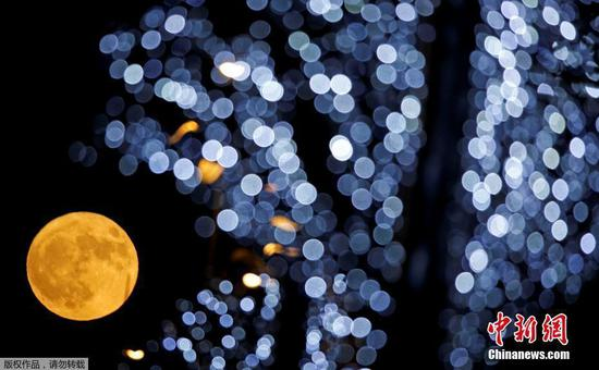 Lantern Festival sees largest full moon