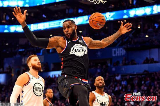 勒布朗队在NBA全明星赛中再次击败吉安尼斯队