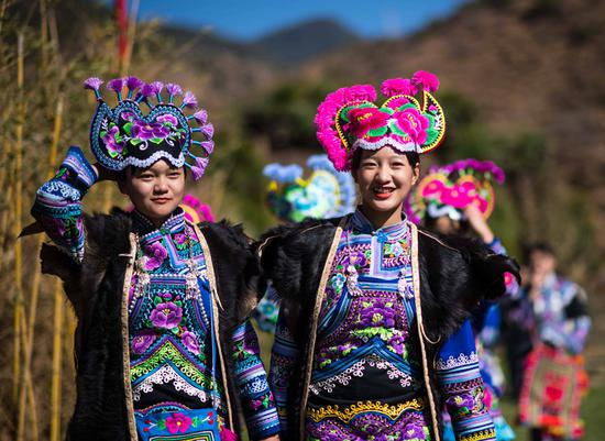 A 'fashion show' of Yi ethnic group held in Yunnan