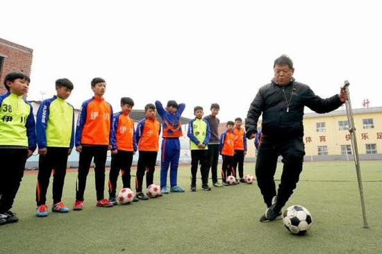 China to further enhance physical education in primary, secondary schools