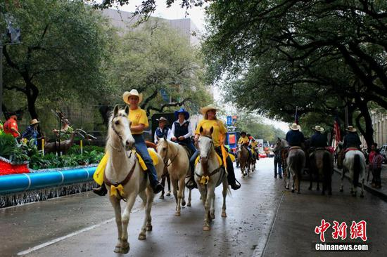 Houston Rodeo tradition kicks off with parade