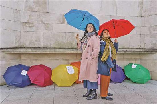Laura Tipper (left) as Lucy and Mei Mac as Wei in Under the Umbrella. (Photo provided to China Daily)