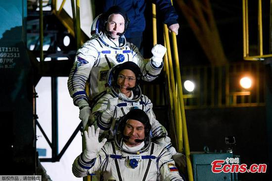 U.S.-Russian crew blasts off to International Space Station