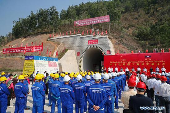 First major tunnel over 5,000 meters drilled through along China-Laos railway