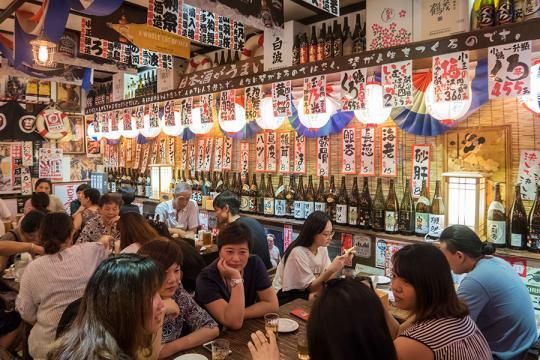 Japanese cuisine tickles taste buds, spins money in China