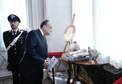 Italy to return lost Chinese cultural relics