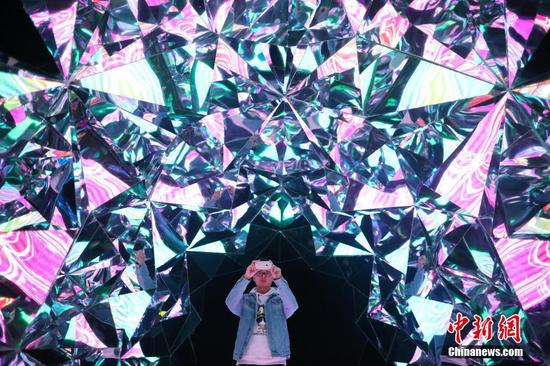 Dazzling dream world in Changzhou 'fantasy' show