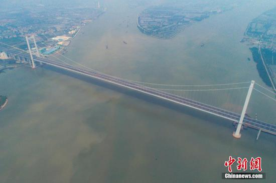 China opens first 5G-serviced bridge in Guangdong