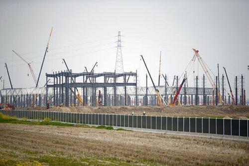 周二在上海的特斯拉超级工厂3的建筑工地景观(照片:杨辉/ GT)