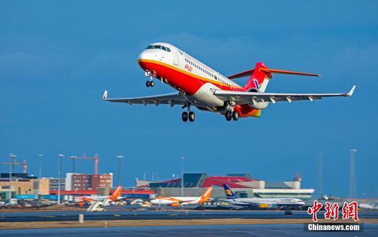 China-developed ARJ21 regional aircraft realizes 10,000 flight hours