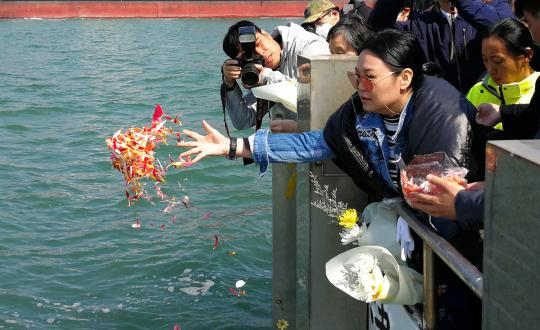 More people in Guangzhou choose 'sea burial'