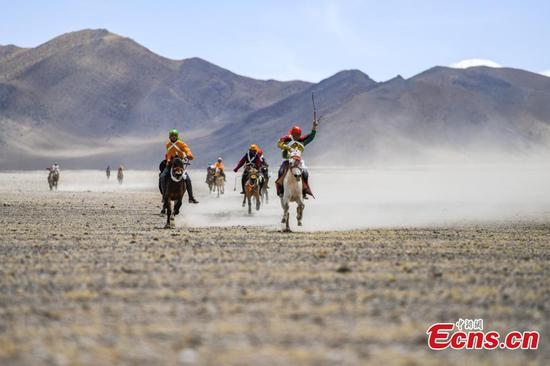 Horse race held in Tibet village