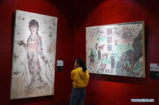 Dunhuang fresco itinerant exhibition held at Yunnan University