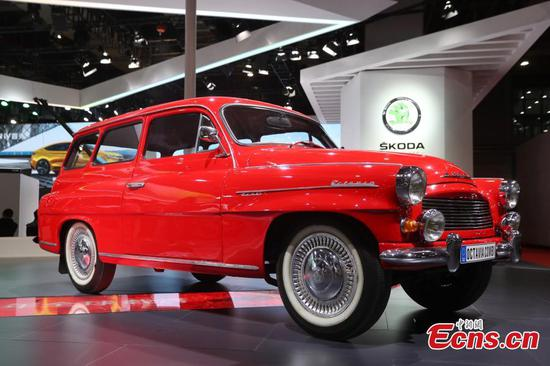 Vintage cars on show in Shanghai