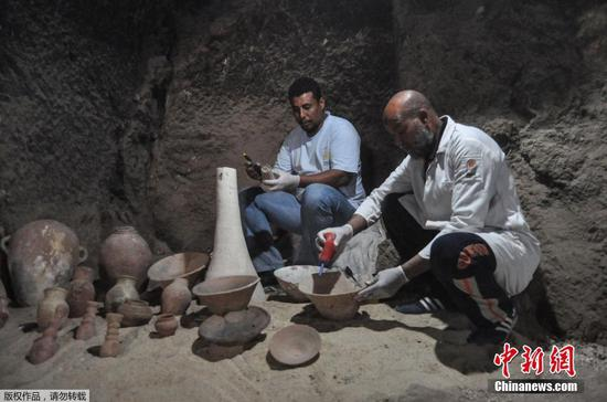 Egypt unveils newly discovered saff tomb in Luxor