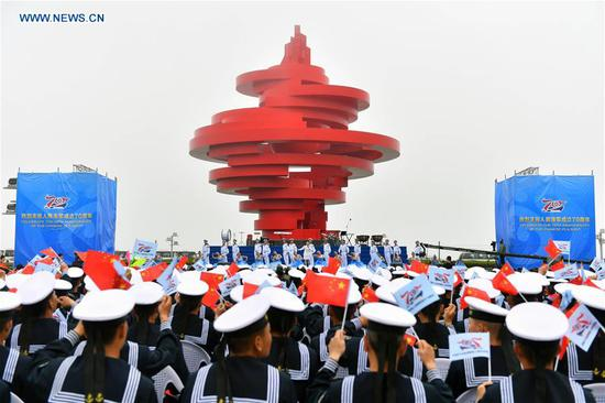 Military music display held for Chinese navy's 70th anniversary