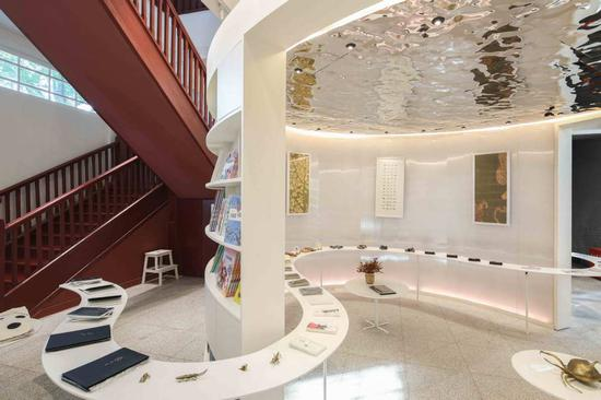 World's first insect-themed bookstore opens in Nanjing