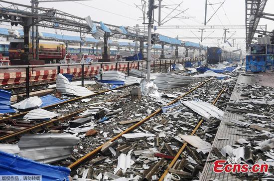 飓风Fani在印度的普里(Puri)火车站造成严重破坏
