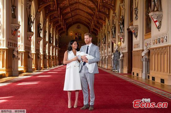 哈里王子,梅根·马克尔与儿子合影