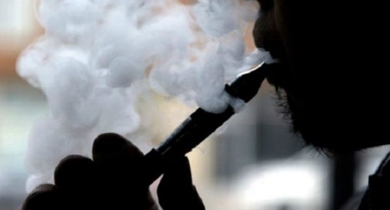 WeChat moves to stub out e-cigarettes
