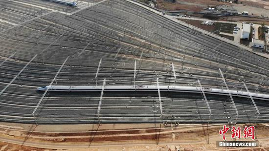 Mega service station for high-speed trains in Kunming