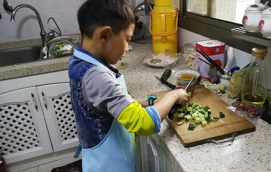 Kid cook too cool for primary school