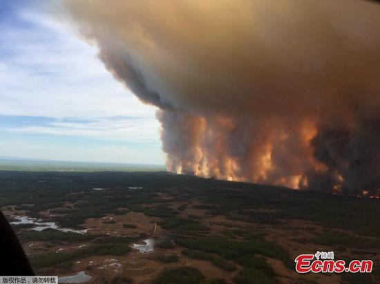 Alberta wildfires burning out-of-control