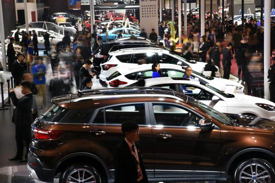 China's auto sales to remain level with last year