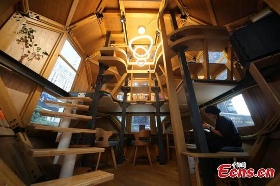 Space capsule-like reading room lands in Chongqing