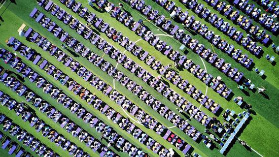 1300多名学生参加书法比赛