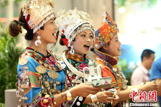 China makes greater efforts in protecting ethnic languages