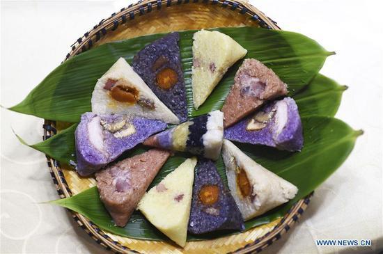 端午节ong子的传统食品丰富多彩