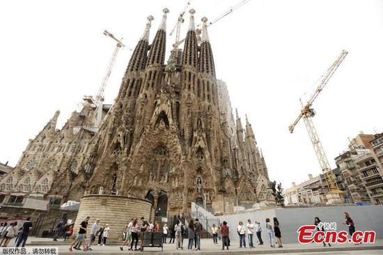 巴塞罗那的圣家族教堂(Sagrada Familia)在137年后获得许可