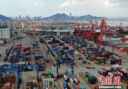 A container terminal. (File photo/China News Service)