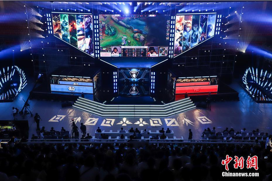 Shanghai strives to become 'world capital of e-sports' in 3-5 years