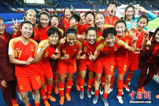 China edges out South Africa at Women's World Cup