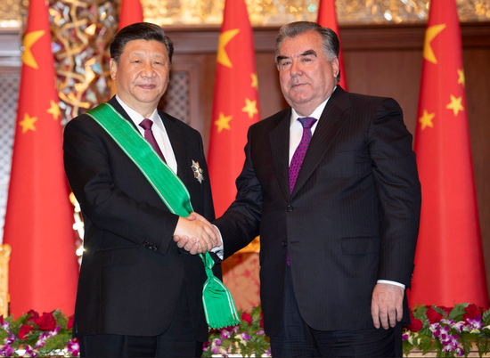 Xi receives Crown Order from Tajik President Rahmon