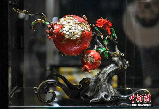 Xinjiang hosts ornamental stone exhibition