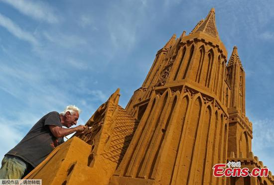 Sand sculptures create fantasy world of magic