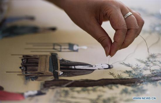 Pic story: Inheritor of Suzhou Embroidery
