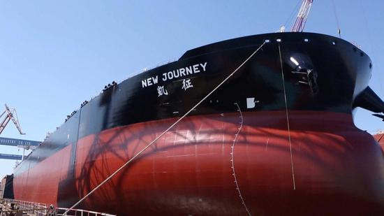 China delivered its first intelligent very large crude carrier (VLCC) in Dalian, northeast Liaoning Province, on Saturday. (Photo/CGTN)
