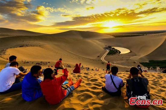 Gobi attractions draw many tourists