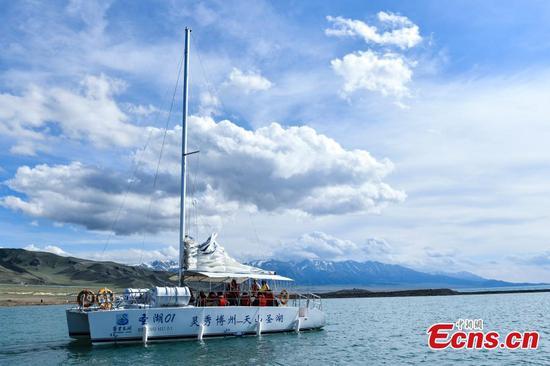Xinjiang's highest lake a natural wonder