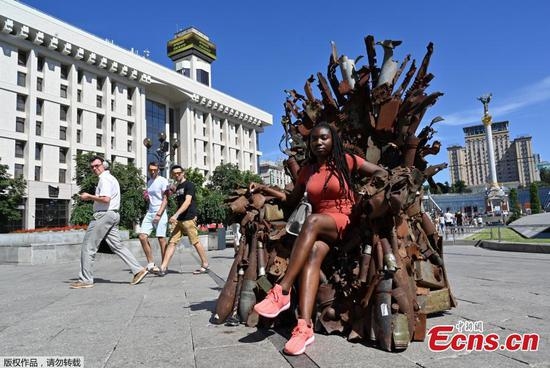 Iron throne made of military artefacts shown in Ukraine