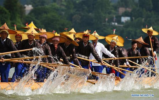Miao people celebrate dragon canoe festival in Guizhou