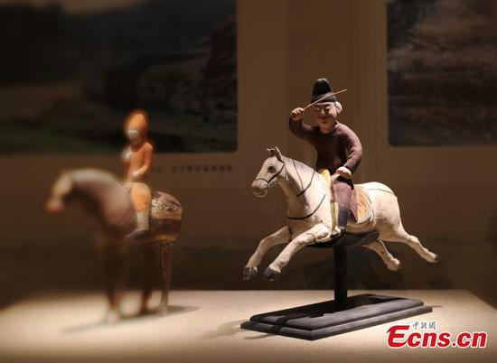 Exhibition reveals glory of road in Tang Dynasty