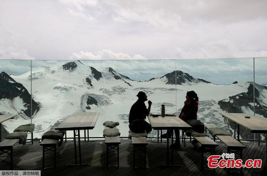 Cafe 3440: Austria's highest Cafe in Summer Pitztal Glacier