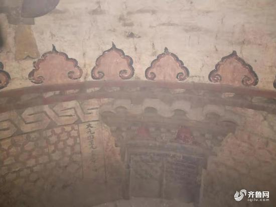 Delicate murals is discovered in a tomb in east China's Shandong Province, July 3, 2019. (Photo/iqilu.com)